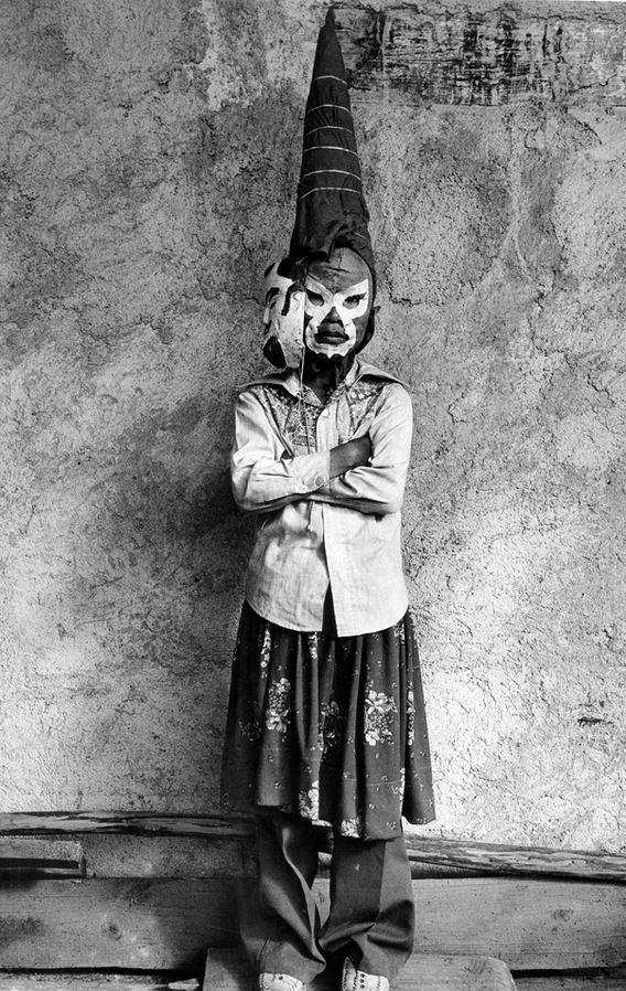 Graciela Iturbide (México). Jano (Janus), Ocumicho, Michoacán. Silver gelatin print, 1981.