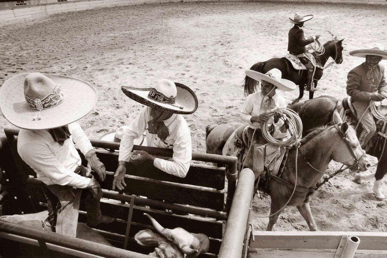 """Al Rendon (San Antonio, TX). """"Preparación"""". Gelatin Silver print, 1993."""