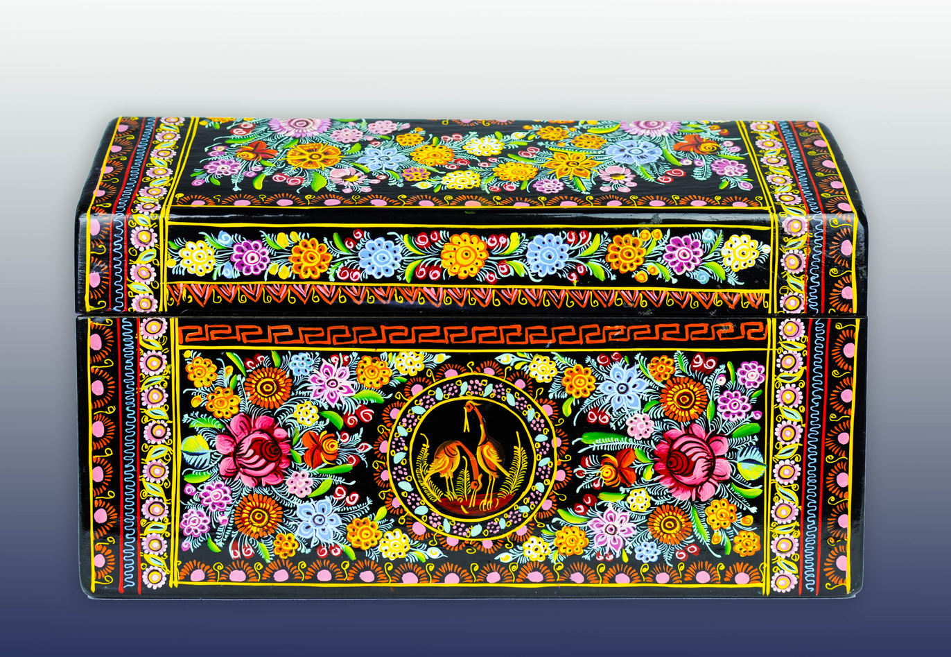 Angeles Rosendo, Lacquer wooden chest (Olinalá, Guerrero, Mexico), 2015.