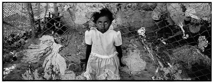 Eniac Martínez (Mexico City, Mexico). Majahual, Quintana Roo, from the series Litorales. Gelatin silver print, 1999.