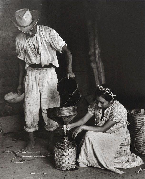 Rodrigo Moya (México). Garrafa de Mezcal in Oaxaca, México. Gelatin silver print, 1965.
