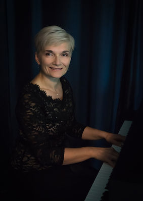 Joanna Sobkowska, Dr. Joanna Sobkowska, Duo Paloma featuring Lonineu Parsons and Joanna Sobkowska. Classical music which traverses boundaries of time and culture,