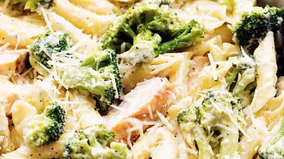 FOR KIDS or ADULTS - Chicken & Broccoli Alfredo with Garlic Bread