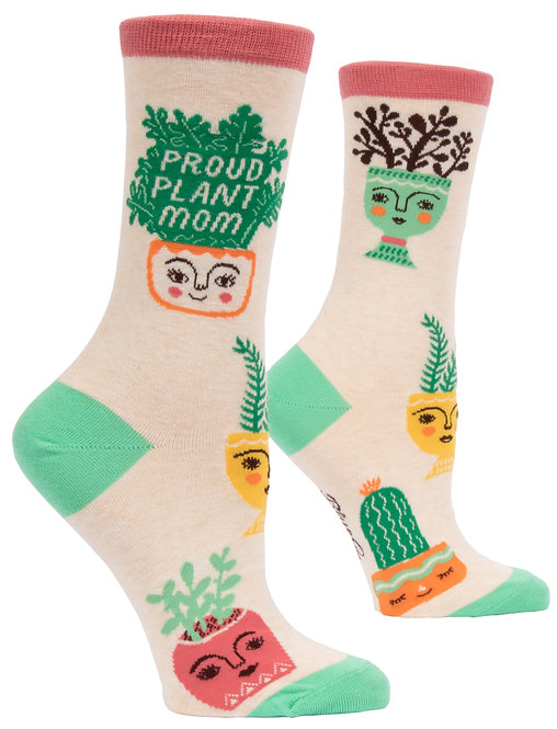 Front view of cream socks with various potted plants, text 'Proud plant Mom'