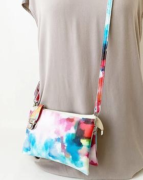 7011-mixed-colours-wristlet-purse-manneq