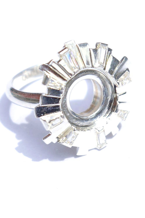 Sterling silver art deco style ring - circle of petal interspersed with cubic zirconia - shown without jewelpop in center