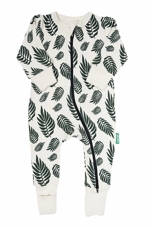 one piece baby sleeper white with green leaf print-zipper from neck to ankle of 1 leg