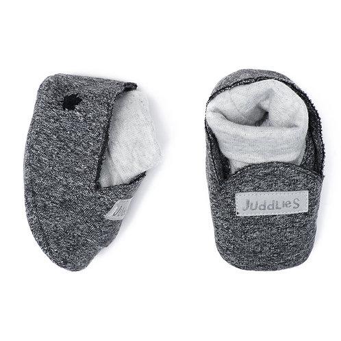 Pair of gray cotton slippers with white inner socks