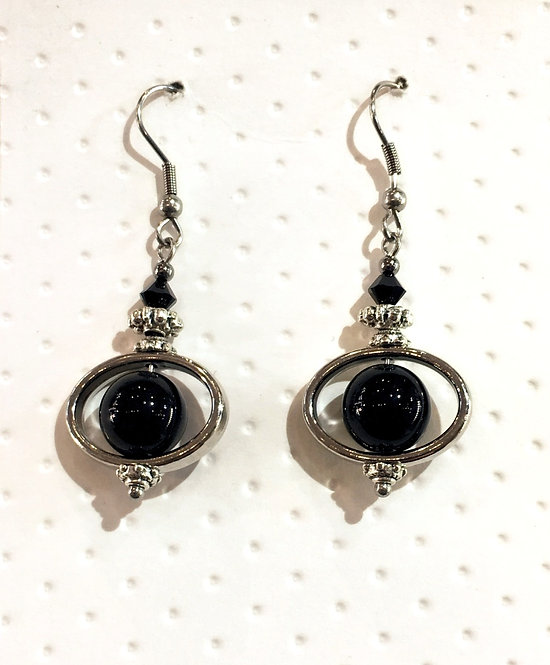 Pair of platinum-colored earrings with 10mm round black agate stones