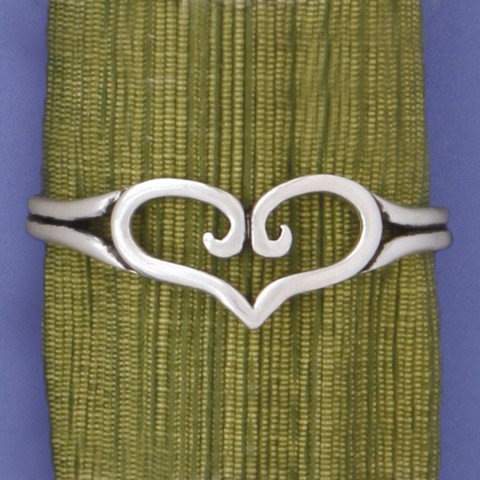 Basic Spirit Pewter Heart Cuff Bracelet