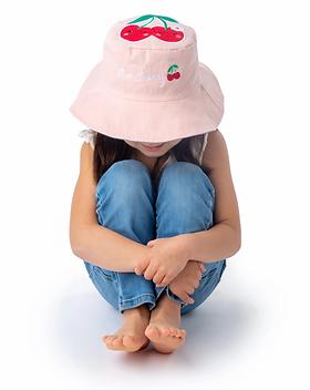 sun-hat-reversible-cat-cherry-model.webp