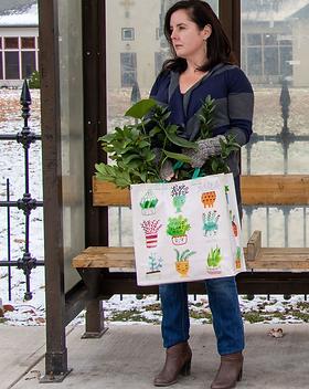 QA839-shopper-plant-mom-lifestyle.png