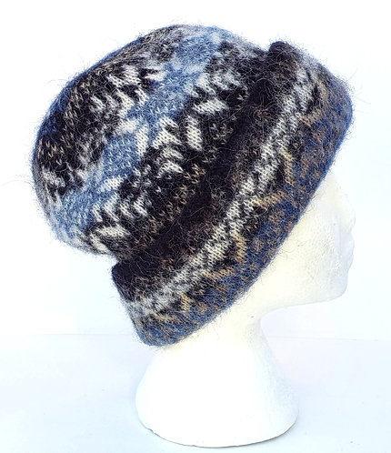 Cuffed wool toque with blue & ivory snowflake on navy & tan design