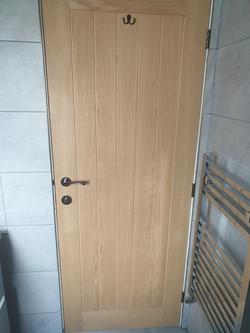 Solid oak door with thumb turner