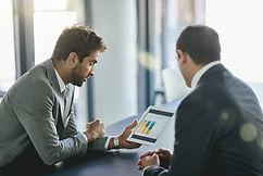 Ledere gjennomgår arbeidsmiljøkartlegging