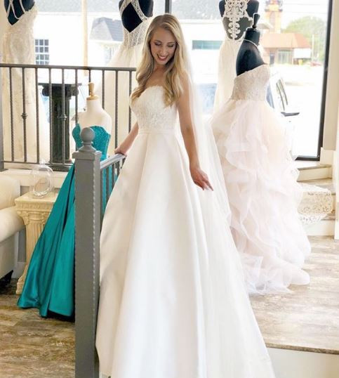 Dressing Dreams Bridal