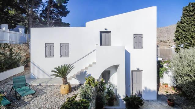 Nimporio House
