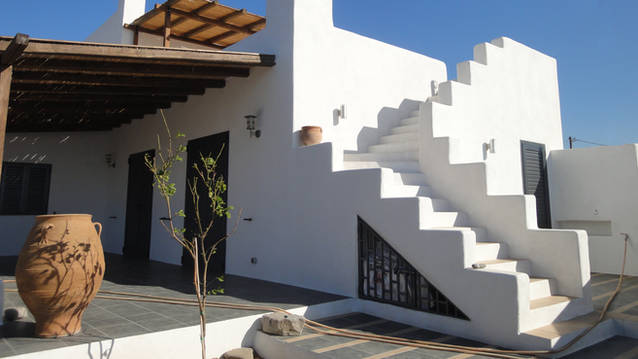 Lachania House
