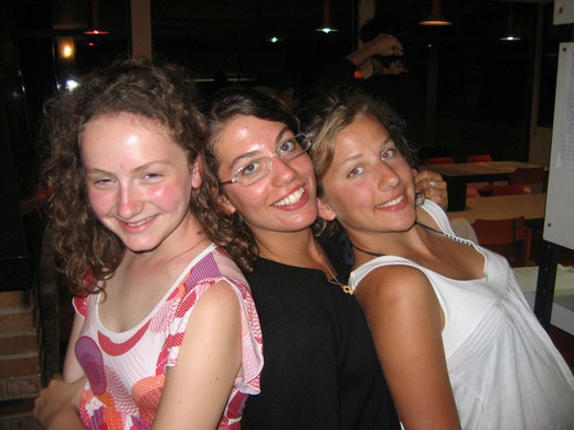 Nous_sommes_les_soeurs_triplet.jpg