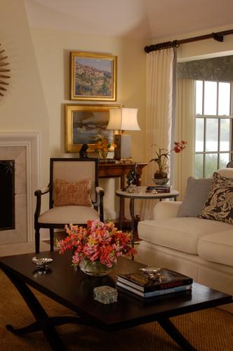 Living Room Close Up_V2.JPG