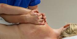 massage shoulders 4