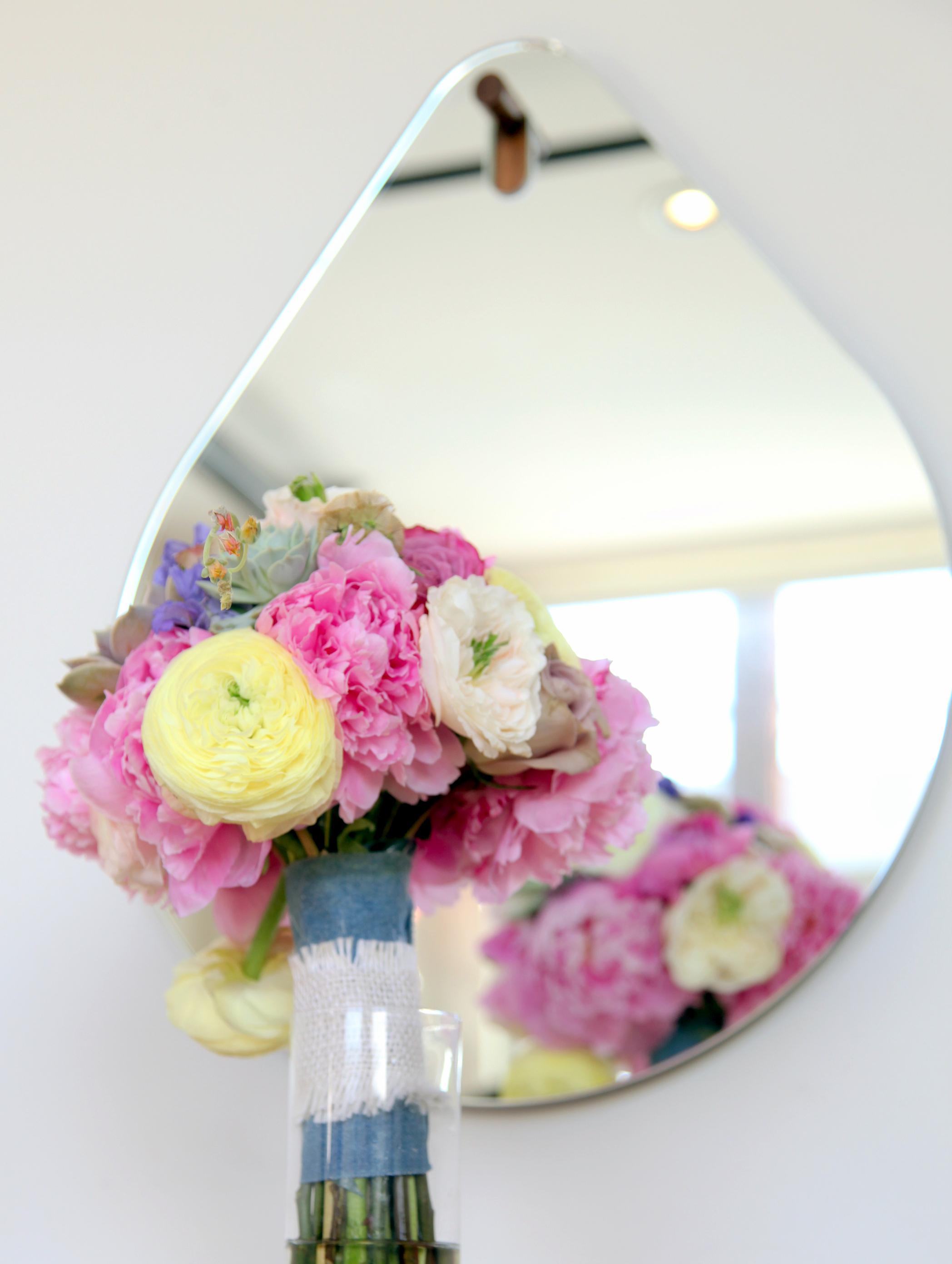 JnD bouquet in mirror