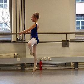 Selina baletin erikoiskoulutuksen tunnil