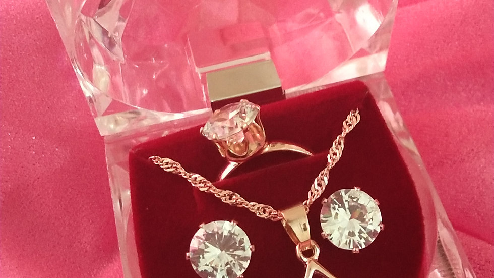 Beautiful Rose gold chain with pendant set and ring