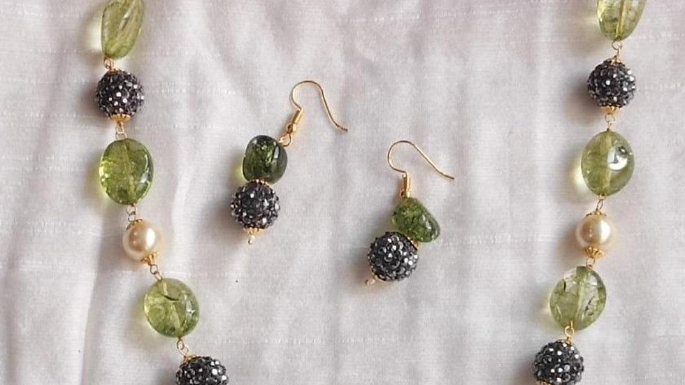 Beautiful beads neck set