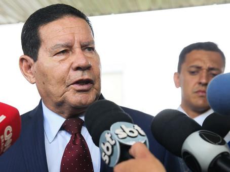 """Mourão minimiza posicionamento de Bolsonaro a favor de Trump: """"bobagem"""""""
