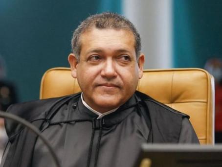 Kassio Nunes intima Kalil e outras autoridades a autorizar cultos e missas