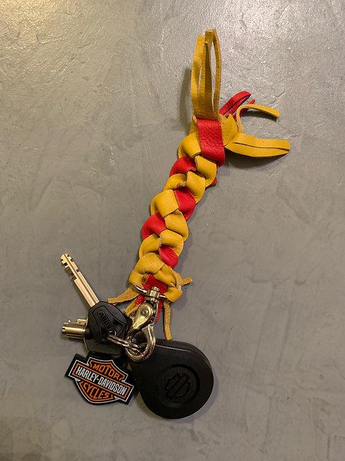 Porte-clés en cuir tressé rouge & jaune