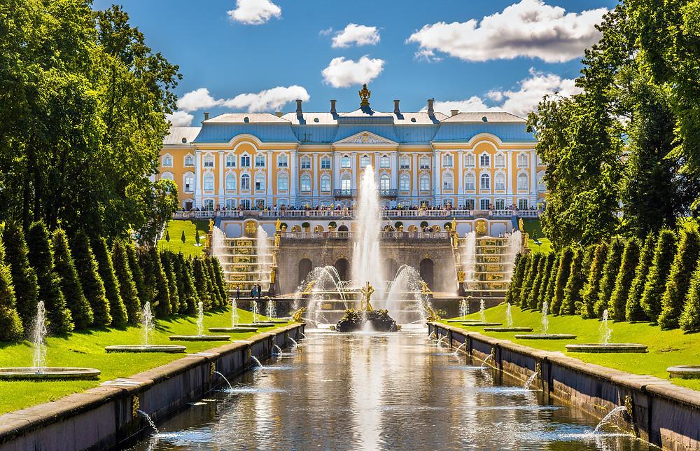st petersburg russia peterhof palace