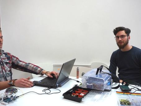 Wywiad z prowadzącym zajęcia kursu programowania Arduino - Bartoszem.
