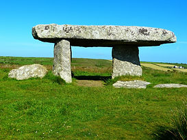 lanyon-quoit-510059_1920.jpg