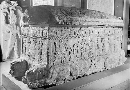 Sarcòfag d'Ahiram amb les inscripcions fenicies més antigues trobades.
