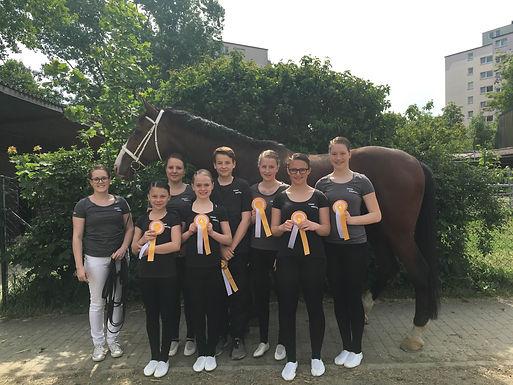 A-Team komplettiert Krifteler Erfolgsbilanz beim Voltigierturnier in Gießen