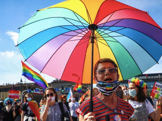 LGBT rights: New threat for Poland's 'rainbow families'