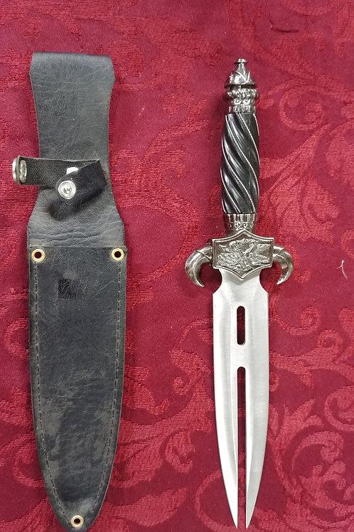 Demon fang Dagger