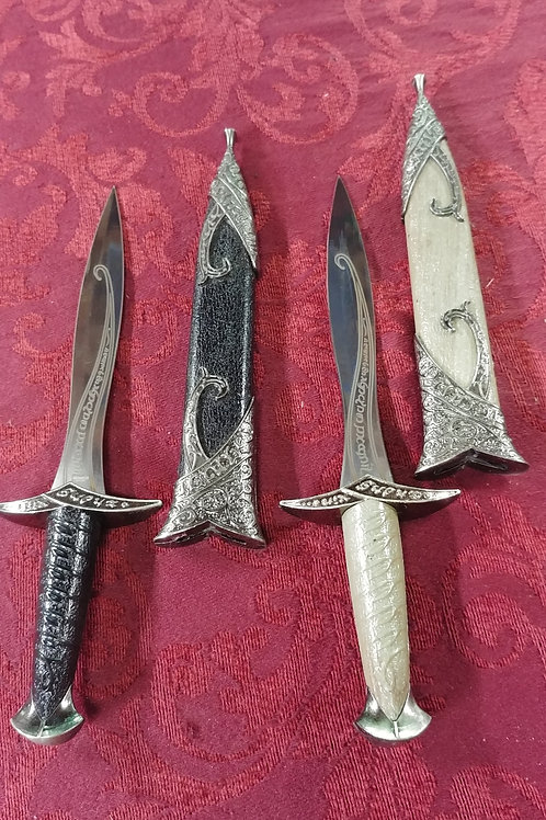 Mini sting Dagger