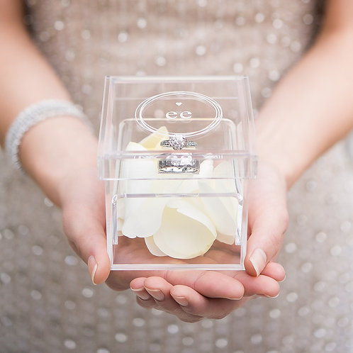 Little Heart - Acrylic Wedding Ring Box