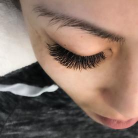 volume eyelash extensions kelowna