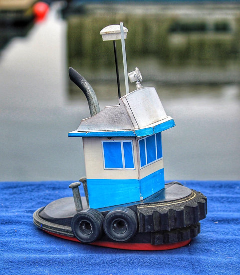 Little harbour tug
