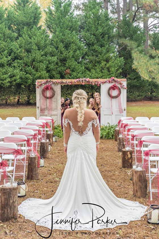 10 Tips for Choosing the Perfect Wedding Photographer