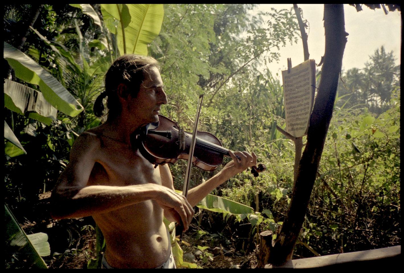 Phillipe Violin - Version 2.jpg