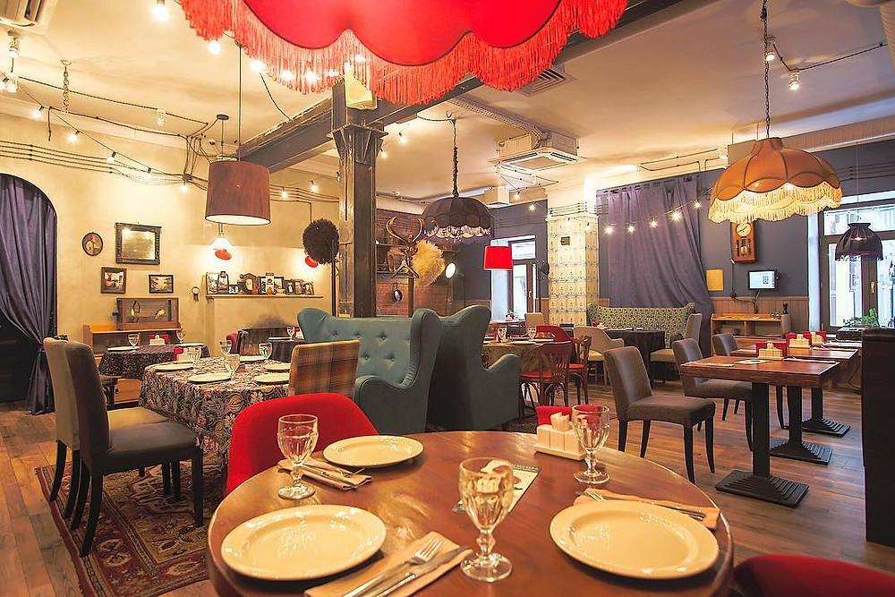 Кафе «Батони» предлагает посетителям «слепые» дегустации
