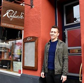 God atmosfære, hyggeligt, autentisk, byens bedste pizza, Kolding, AL Passagen, centrum, visitkolding, Koldinghus, slotsgade, pizza, italiensk, pasta, vegansk, vegetar mad, glutenfri, gluten-free, stemning, fest i lokal, selskab, selskabslokale, Restaurant, Rafaels, raphaels, Rafael, raphael, rafaels logo, rafaelz, raphaelz, rafaels.dk, rafaelsrestaurant.dk, rafaelspizzeria.com, rafaels, Margherita, Rustica, parma, parmaham, parmaskinke, skinke, Margherita, italienske, italien, pizza, pizze, ost, cheese, italiensk restaurant kolding, Pizzaria kolding,Pizzaria vejle, Pizzaria i kolding, Pizzaria i danmark, Ægte, Ægte italiensk, Ægte pizza, Ægte pizzeria, bedste pizza, bedste pizza danmark,bedste pizza kolding, bedste pizzaria, bedste pizzeria, bedste restaurant i vejle, bedste restaurant, fratelli, kolding bedste pizza, vejle bedste restaurant, bedste take away, bedste tapas, italiensk mad kolding, take away, bedste take away kolding, bedste spisesteder kolding, bedste pizza i kolding