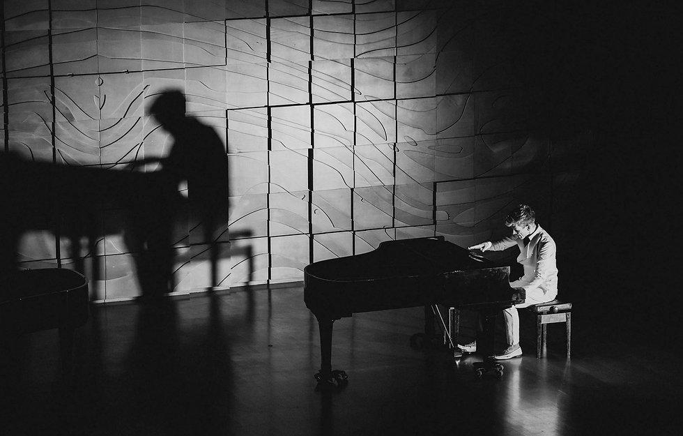 PianoBattle_1P_1220_EOSR_VISPENN_edited_