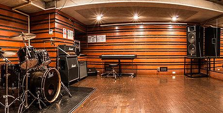 経堂ギター教室スタジオ内
