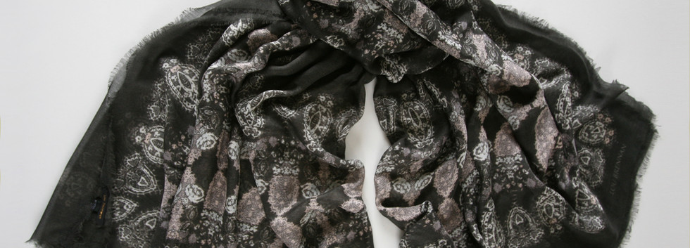 'Honora' print – Black slate grey, ivory and antique rose